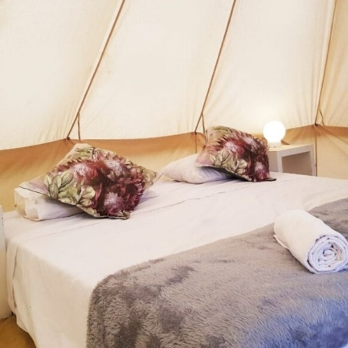 5m-shaded-bell-tent-bazique-glamping